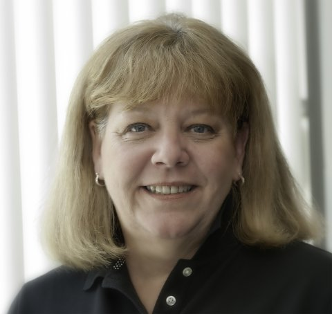 Suzanne Lynch headshot