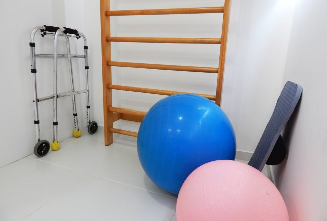 physical therapy equipment generic