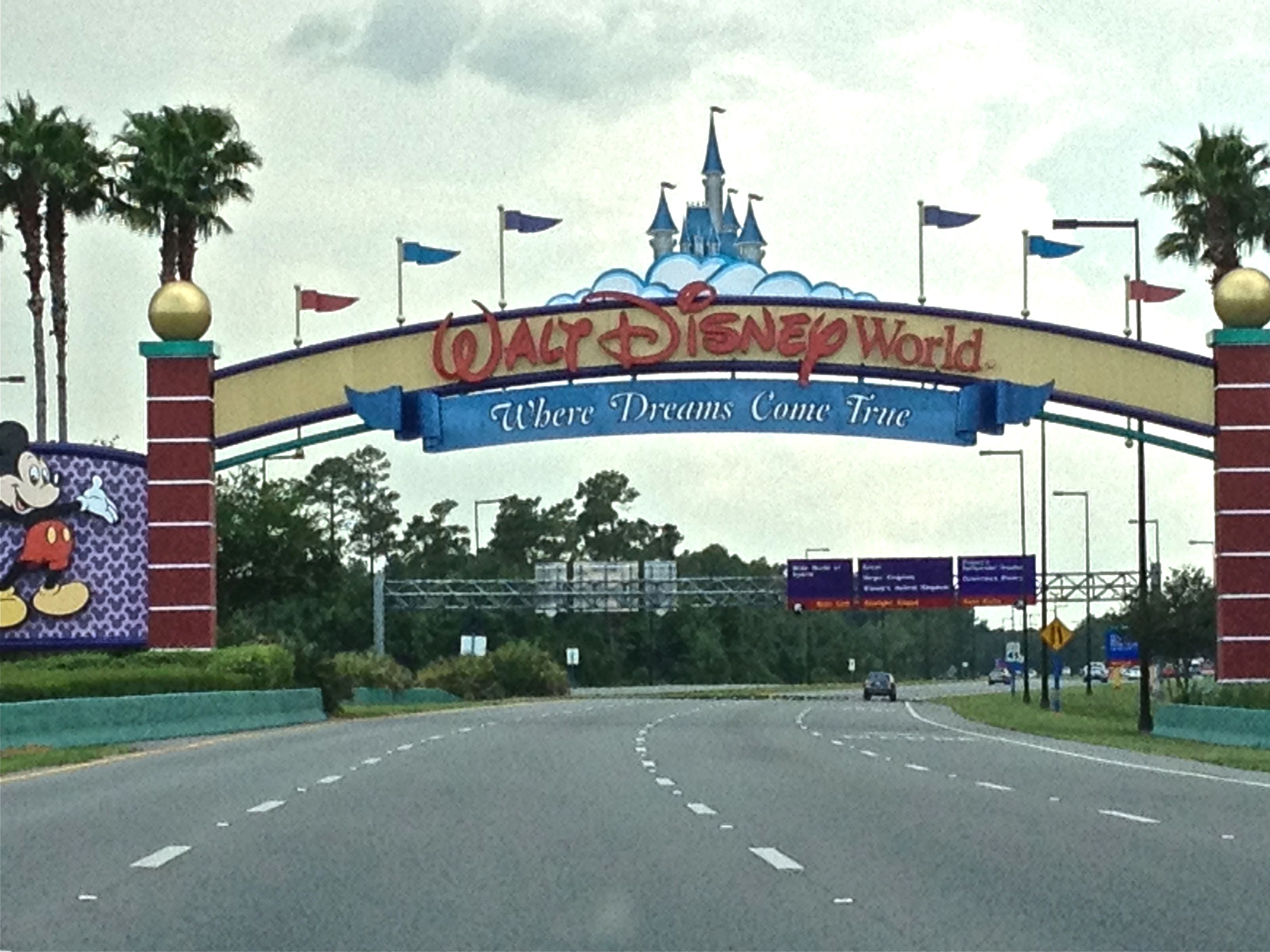 Walt-Disney-World-Disney-College-Program